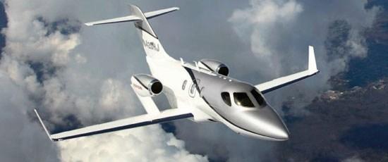 ホンダ「ビジネスジェット」●座席数:6-7席●全長:12.9メートル●飛行距離:2180キロ