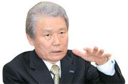 日本経団連の榊原定征会長