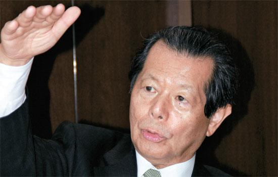日本の知性として評される船橋洋一・日本再建イニシアティブ理事長は安倍首相の圧勝の原因をアベノミクスの議題設定から探した。