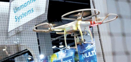 中国DJIが公開した超小型無人航空機(ドローン)。CESの「ドローン展示館」に韓国製品はなかった。(写真=DJI)