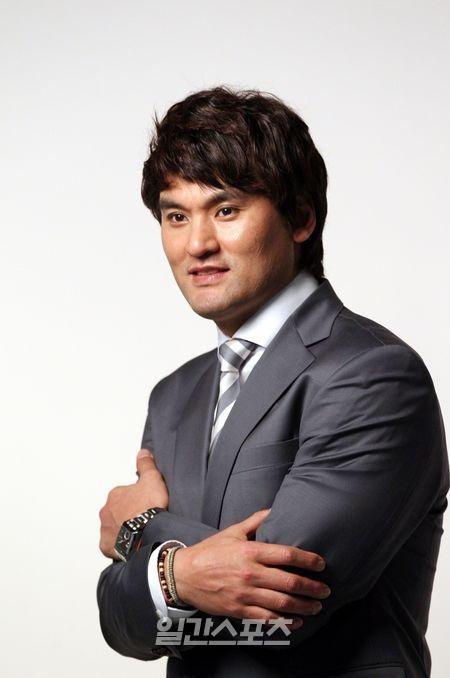 朴賛浩(パク・チャンホ、42)
