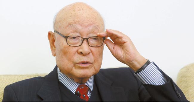 『私の外交ノート』を出版した孔魯明(コン・ロミョン)元外交部長官