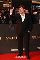 初来韓した俳優のラッセル・クロウ。