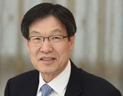 権五俊(クォン・オジュン)会長(65)