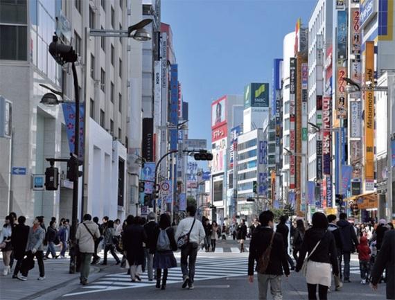 未来に希望を見出せない日本の若者は現在のささやかな日常から幸せを感じている。