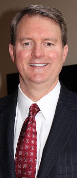 ジョン・ブラウンリー(John Brownlee)弁護士。彼は米国10大ローファームの1つ「ホーランド・アンド・ナイト」ワシントンDC事務所でホワイトカラー犯罪担当パートナーとして仕事をしている。