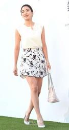 1日午後、ソウル中区獎忠洞(チュング・チャンチュンドン)のバンヤンツリークラブ&スパ・ソウルで行われた俳優アン・ジェウクの結婚式に登場した女優のイ・ソヨン。