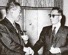 1961年11月12日、東京を訪問した当時の朴正熙最高会議議長(右)が日本の池田勇人首相と歓談している。(写真=金鍾泌元首相秘書室)