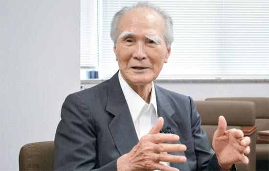 安保法制反対運動に率先する村山元首相。日本の植民地支配と侵略について謝罪した「村山談話」で有名。