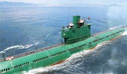 北朝鮮は23日にも潜水艦50隻余りを作戦に投じるなど緊張強度を高めた。写真は北朝鮮のロミオ級潜水艦(中央フォト)