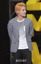 25日午後、ソウル蚕室の室内体育館で開催された「2015 JYJ MEMBERSHIP WEEK」に登場したJYJキム・ジュンス。