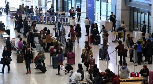 2日、韓国の7月の旅行収支が14万5000万ドルの赤字を記録した。(写真=中央日報DB)