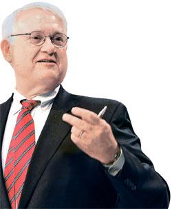 ジョン・ハムレ米戦略国際問題研究所(CSIS)所長