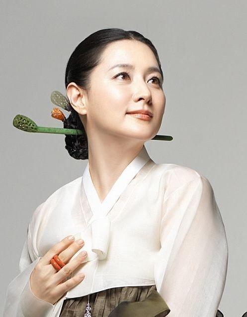 女優のイ・ヨンエ