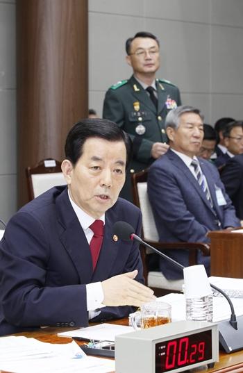 韓民求・国防部長官(写真=中央日報DB)