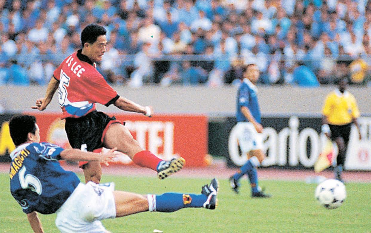 1997年9月に国民を熱狂させた「東京大捷(韓国が2-1勝利)」。イ・ミンソンは97年9月28日、フランスワールドカップ(W杯)アジア予選で鮮やかな逆転ミドルシュートを決めた。(写真=大韓サッカー協会)