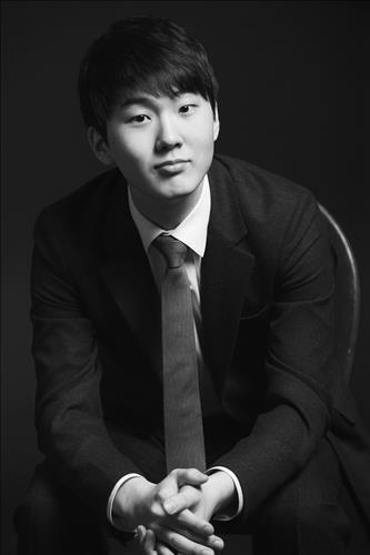 韓国人ピアニストのチョ・ソンジン