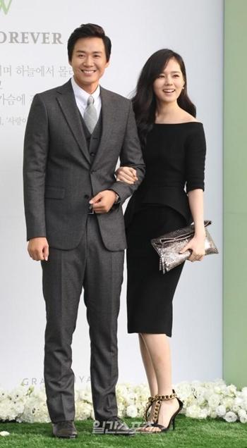 俳優ヨン・ジョンフン(左)と女優ハン・ガイン(右)