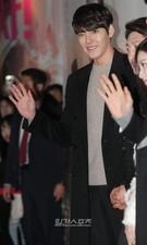 23日、ソウル城東区杏堂洞のCGV往十里で行われた映画『桃李花歌』VIP試写会に登場した俳優のキム・ウビン。