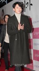 23日、ソウル城東区杏堂洞のCGV往十里で行われた映画『桃李花歌』VIP試写会に登場した俳優のキム・ナムギル。