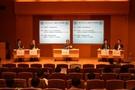 若宮啓文・元朝日新聞論説主幹の司会で進められた第1セッション。