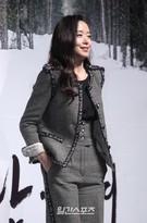 19日午前、ソウル江南区新沙洞の狎鴎亭CGV店で開かれた映画『男と女』の制作報告会に登場した女優のチョン・ドヨン。