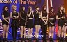 21日、ソウル慶煕大学校平和の殿堂で開かれた「第30回ゴールデンディスクアワード」授賞式に登場したガールズグループのTWICE。