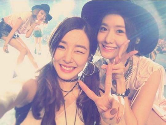 少女時代のスヨン(左上)とティファニー、ユナ(写真=ティファニーのインスタグラム)
