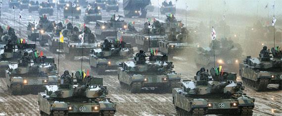 12日午前に京畿道驪州陽村里訓練場で行われた陸軍機動訓練。(写真=陸軍)