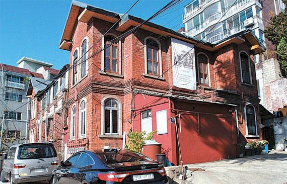 アルバート・テイラー氏が建てた邸宅「ディルクシャ」。ソウル市は「ディルクシャ」を2019年までに復元することにした。(資料=ソウル市)