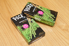 江崎グリコは、韓国の大手菓子メーカー「ヘテ」と提携して合弁会社「グリコヘテ」を設立し、2013年から韓国に進出中。「グリーンティーポッキー」(1,500ウォン/1箱)は韓国産の緑茶を従来より多く2.3%使用した、韓国初の緑茶スティック菓子です。韓国だけの緑茶スイーツ、お土産にいかがですか?