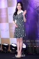 22日、ソウル江南区論硯洞インペリアルパレスソウルで開かれたKBSドラマ『太陽の末裔』制作発表会に登場した女優のソン・ヘギョ。