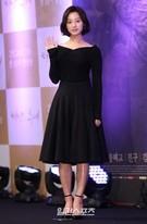 22日、ソウル江南区論硯洞インペリアルパレスソウルで開かれたKBSドラマ『太陽の末裔』制作発表会に登場した女優のキム・ジウォン。