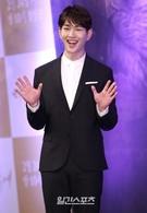 22日、ソウル江南区論硯洞インペリアルパレスソウルで開かれたKBSドラマ『太陽の末裔』制作発表会に登場したSHINee(シャイニー)のオンユ。