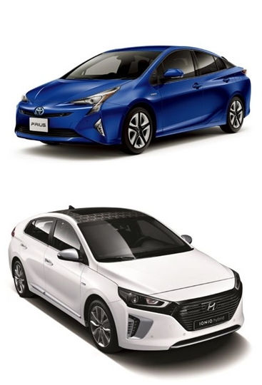 韓国トヨタの「新型プリウス」(上)と現代自動車の「アイオニック(下)