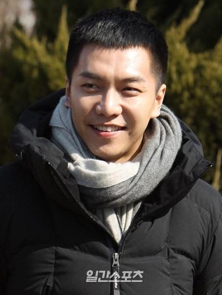 俳優で歌手のイ・スンギ