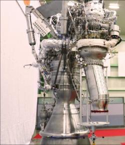 75トン級宇宙ロケット用の液体燃料ロケットエンジン。