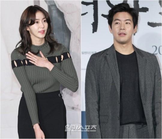 AFTERSCHOOLのユイ(左)と俳優のイ・サンユン