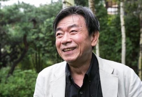 小説家の韓水山(ハン・スサン)氏