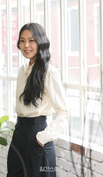 女優のキム・ミニ