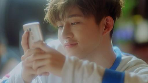 iKONの新曲『今日何してる』MVのワンシーン