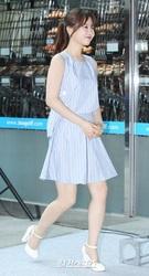18日、ソウル松坡区ロッテマートで開催された「パク・ボヨンと共に過ごすファンサイン会」に登場した女優のパク・ボヨン。