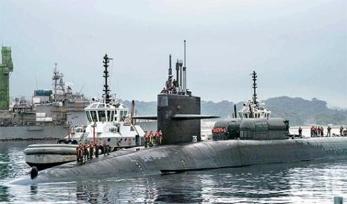 先月30日、米海軍第7艦隊所属の原子力潜水艦「オハイオ」が日本の神奈川県横須賀基地に停泊している。(写真=米国海軍)