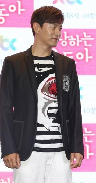 韓国俳優のチュ・ジンモ