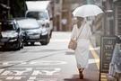 トレンドをおさえながら日焼け対策もばっちりの日傘。今夏、韓国旅行をご予定なら、日傘を持ち物に追加することをオススメします!