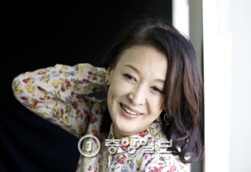 舞台女優のユン・ソクファさん