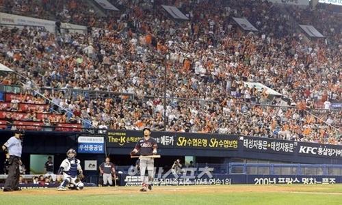 韓国プロ野球KBOリーグが韓国プロスポーツ初の観客800万人時代を迎えようとしている。