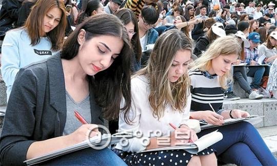 延世大学で7日に開催された「外国人ハングル白日場」