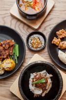 「ビビゴ季節(ケジョル)パッサン 仁寺洞店」は、四季折々の食材を生かしたヘルシーな料理を味わえる食べ放題店。一度に色々な韓国料理を楽しめるとあって、観光客もよく訪れます。