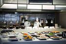 「新羅(シルラ)ステイ光化門(クァンファムン)cafe」は、高級ホテル「新羅ホテル」のビュッフェレストランと同じレシピ・食材のメニューをリーズナブルに味わえ、味と価格に厳しいソウルマダムの間でも評判です。ご飯が美味しい季節、韓国旅行の際は食べ放題に挑戦してみてはいかがでしょうか。
